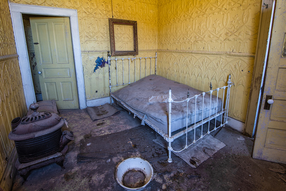 Yellow Bedroom, Wheaton & Hollis Hotel, Bodie, California
